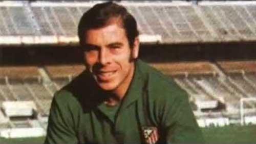 Barcelona goalkeeper Miguel Reina