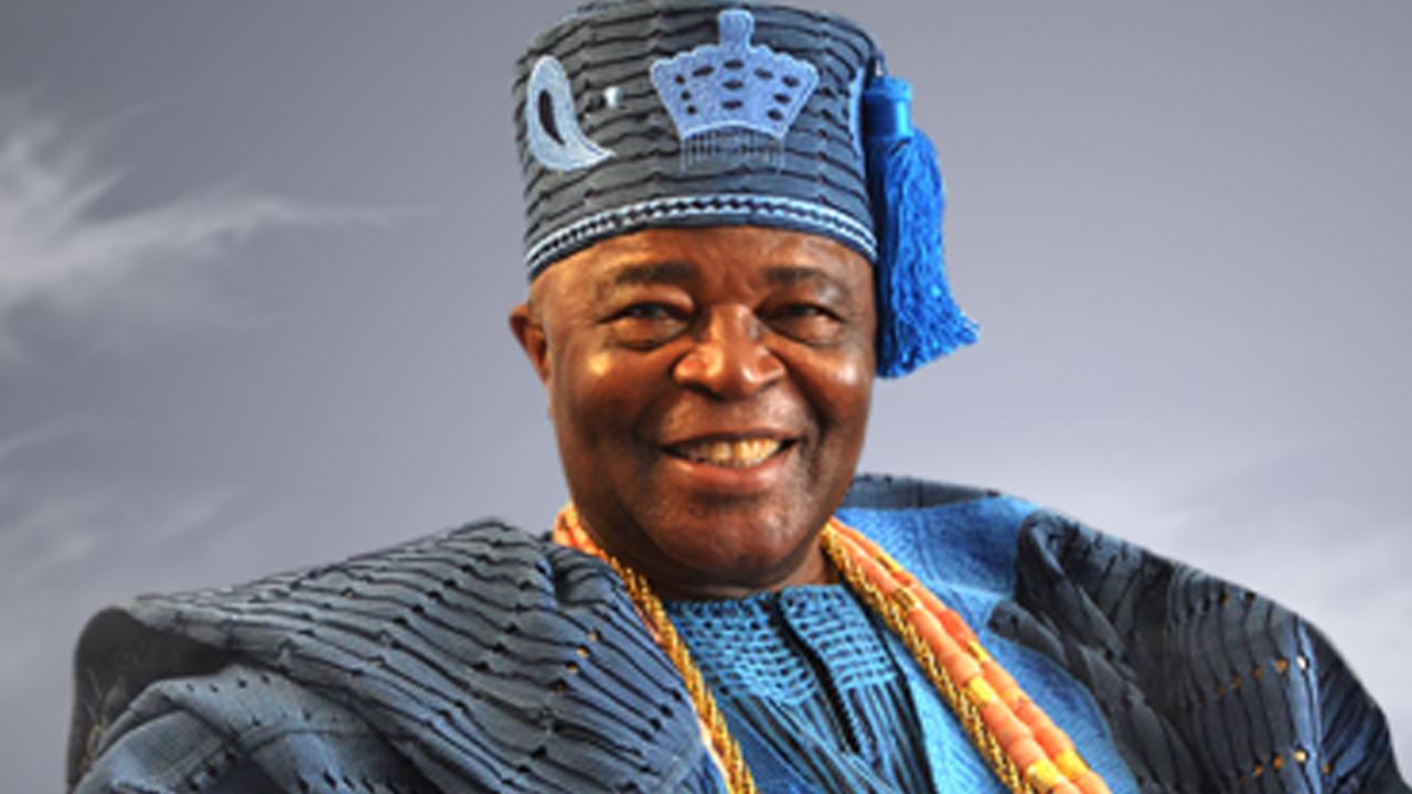 Oba Adedotun Aremu Gbadebo III, Alake of Egbaland.