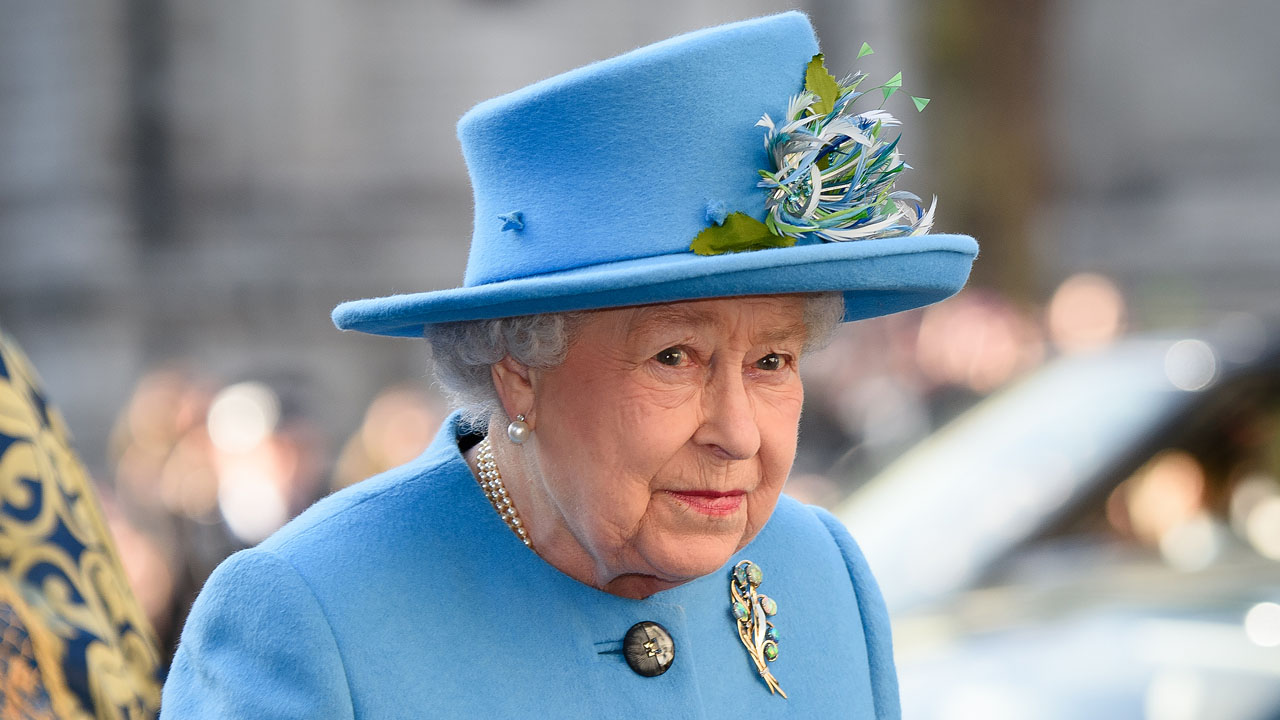(FILES) This file photo taken on March 14, 2016 shows Britain's Queen Elizabeth II as she arrives to attend a Commonwealth Service at Westminster Abbey in central London. Queen Elizabeth II will celebrate her 90th birthday on April 21, 2016, with a family gathering and a cake baked by a reality television star, as a new poll finds Britain's longest serving monarch is as popular as ever. The queen has reigned for more than 63 years and shows no sign of retiring, even if she has in recent years passed on some of her duties to the younger royals.  / AFP PHOTO / LEON NEAL