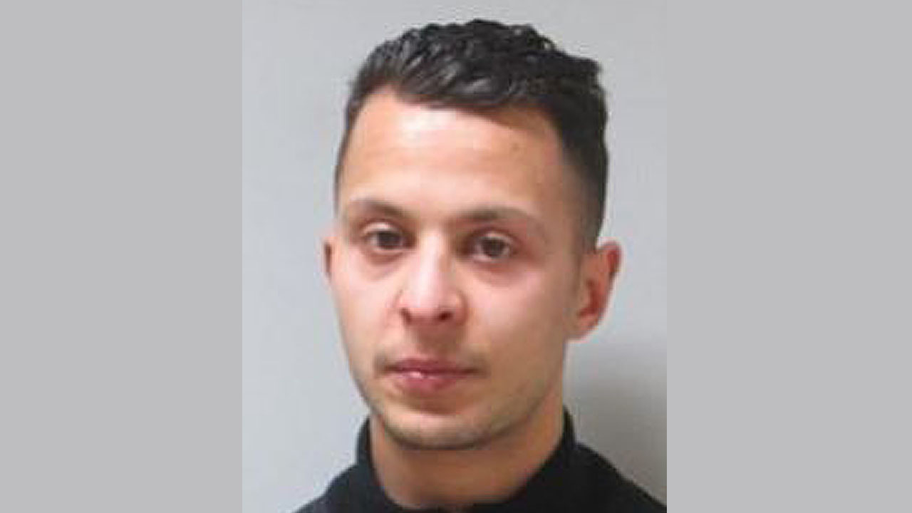 """(FILES) This handout photo provided by the Federal Police of Belgium on November 17, 2015  shows Top Paris attacks suspect Salah Abdeslam who was handed over to French authorities on April 27, 2016, federal prosecutors in Belgium said in a statement. """"Within the framework of the Paris attacks of the 13th of November 2015, Salah Abdeslam has been surrendered to the French authorities this morning,"""" a statement in English said.  / AFP PHOTO / FEDERAL POLICE OF BELGIUM / -"""