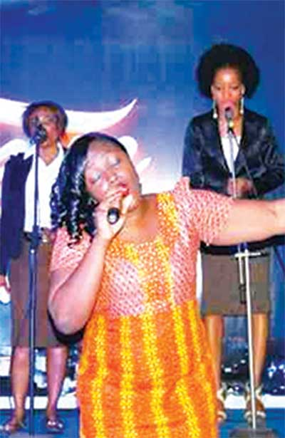 The late singer during her performance in Warri