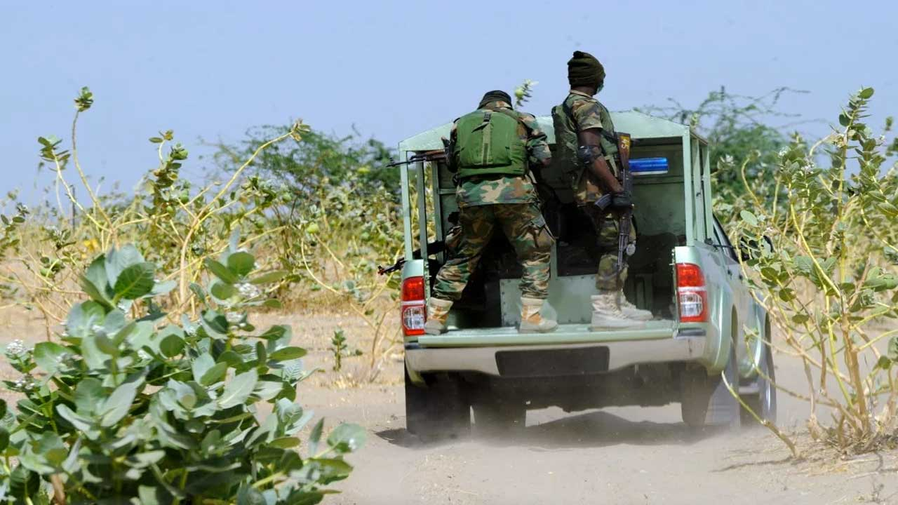 Air Force arrests 16 suspected armed bandits in Zamfara | The