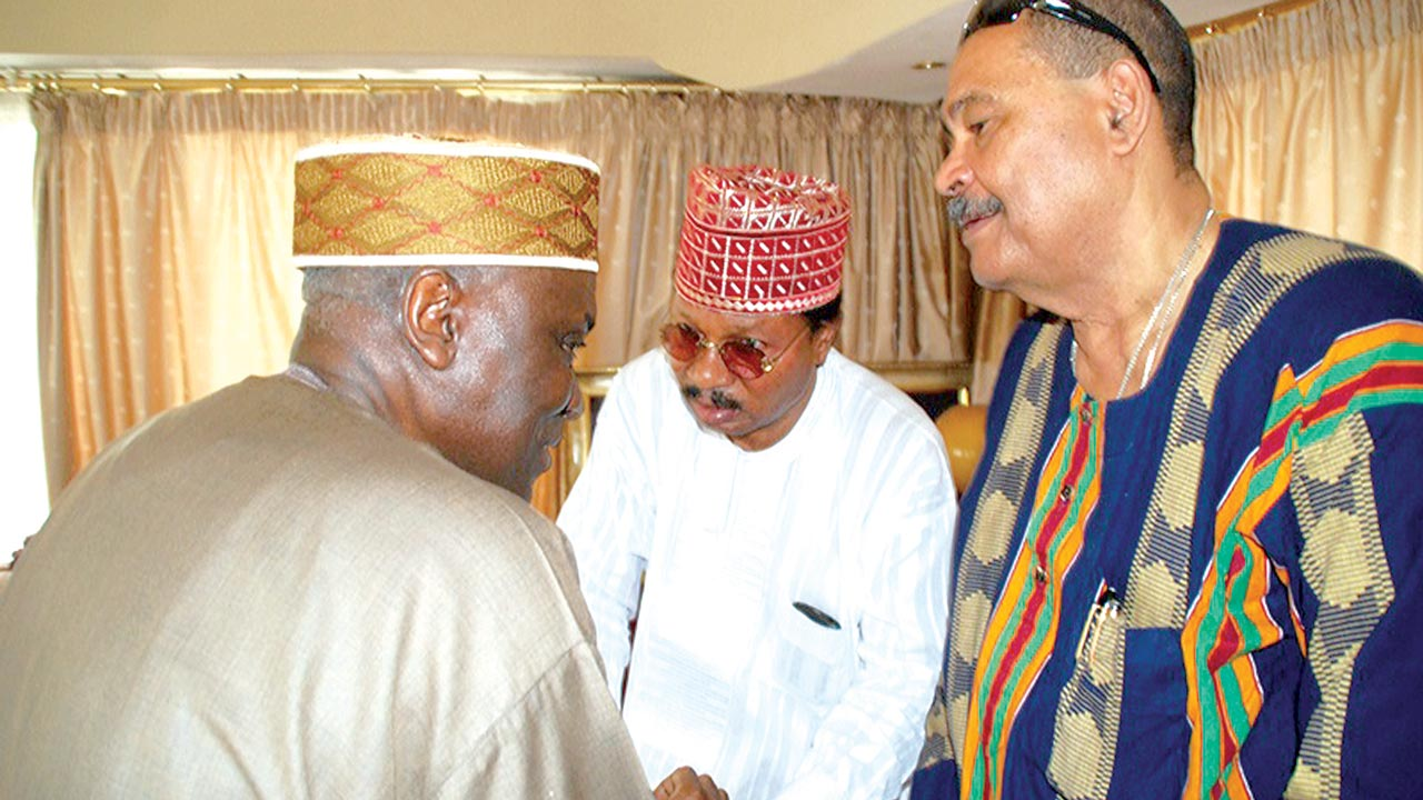 Chief Operating Officer of The Guardian, Dr. Alex Thomopulos(right), Chairman of Editorial Board, Prof. Wale Omole and former Inspector General of Police, Mr. Musiliu Smith at the residence of the Braithwaites… yesterday.                                         PHOTOS: FEMI ADEBESIN KUTI