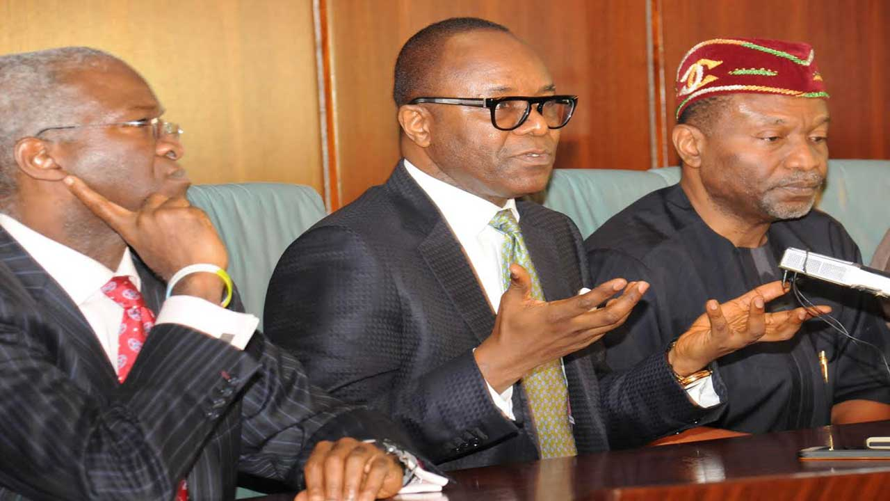 Minister of Power,Babatunde Fashola, left Petroluem Minister Ibe Kachukwu and Budget and National Planing Minister Senator Udoma Udo Udoma addressing the State House Press after the Federal Executive Council Meeting on the State of the Nation on Power, Petroluem and the Budget, at the State House Abuja Yesterday PHOTO: PHILIP OJISUA