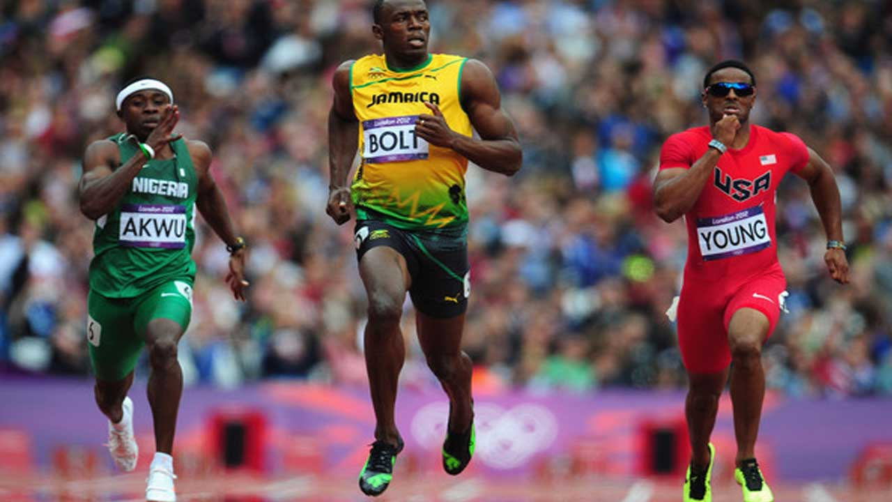 No show…Nigeria's Noah Akwu running far behind Jamaica's Usien Bolt in men's 200m heat during the athletics event at the London 2012 Olympics. Team Nigeria failed to win any medal in London. Nigeria may be heading for another disaster in Rio.