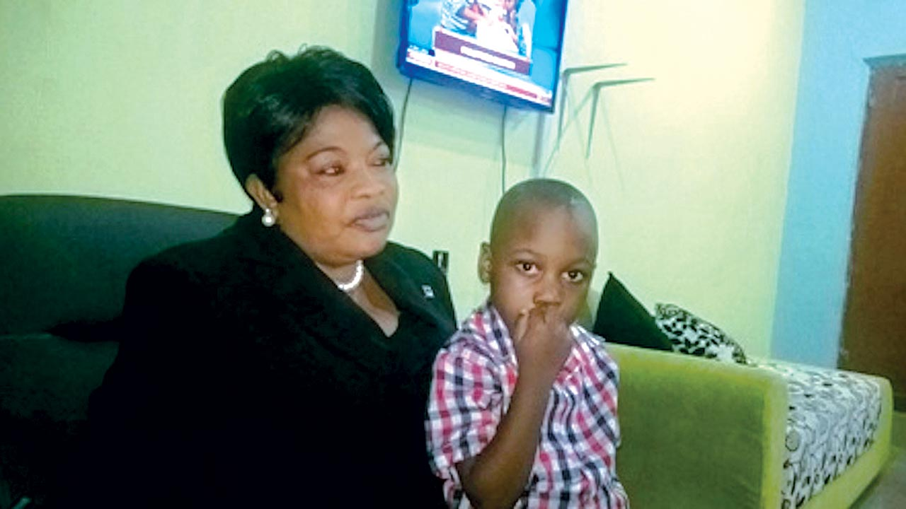 Goodnews with his mother