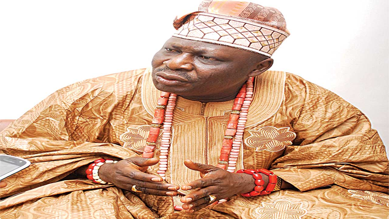 The Aseyin of Iseyin, Oba (Dr.) Abdulganiyu Adekunle Salau has called on the Alaafin of Oyo, Oba Lamidi Olayiwola Adeyemi (III) to leave Oke-Ogun Obas and its people alone.