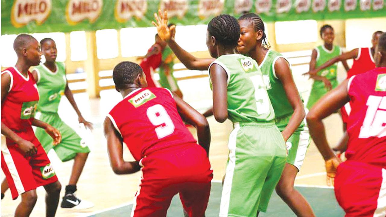 Students battling for semifinals ticket at the Equitorial Conference of the on-going 18th Milo Secondary Schools Basketball Championship holding in Enugu.