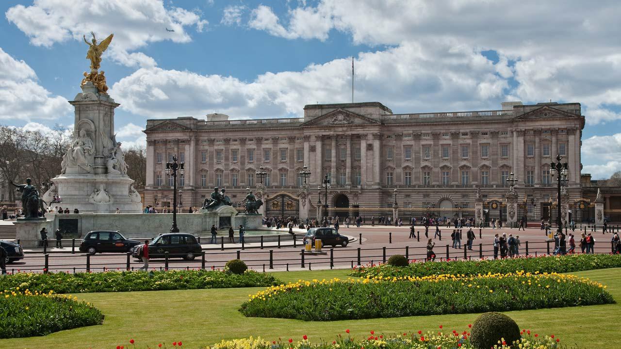 Buckingham Palace. PHOTO: en.wikipedia.org