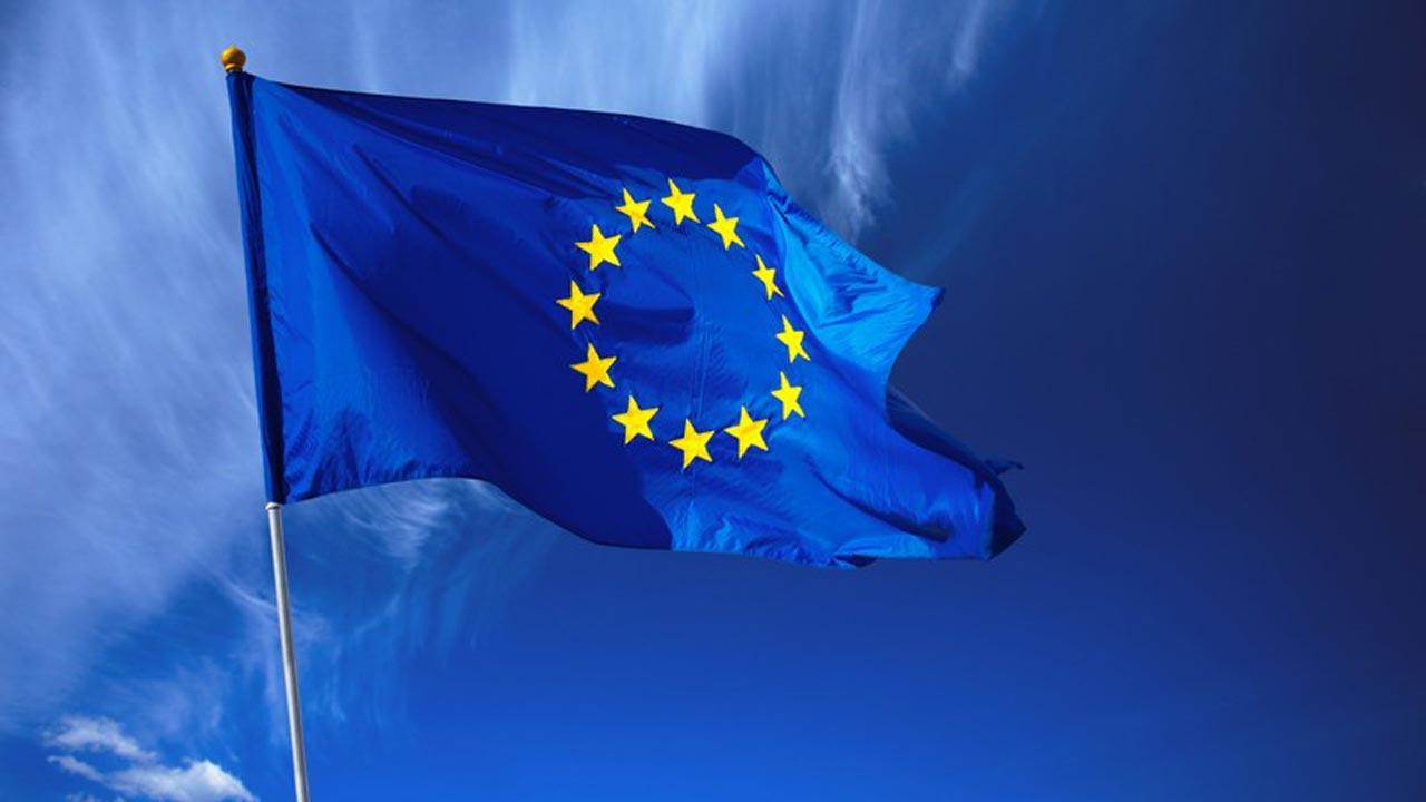 EU_Flag_waving-(1)