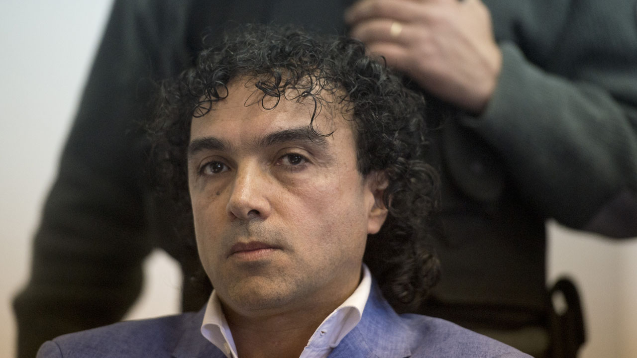 "Colombian drug trafficker Henry de Jesus Lopez Londono aka ""Mi Sangre"" attends his extradition trial to the United States at court in Buenos Aires on May 17, 2016.  / AFP PHOTO / EITAN ABRAMOVICH"