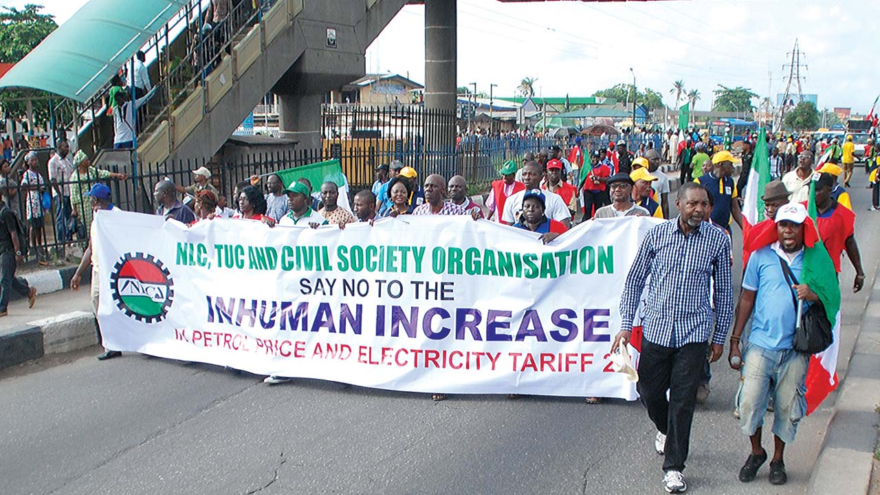 NLC members protest along Maryland, Lagos