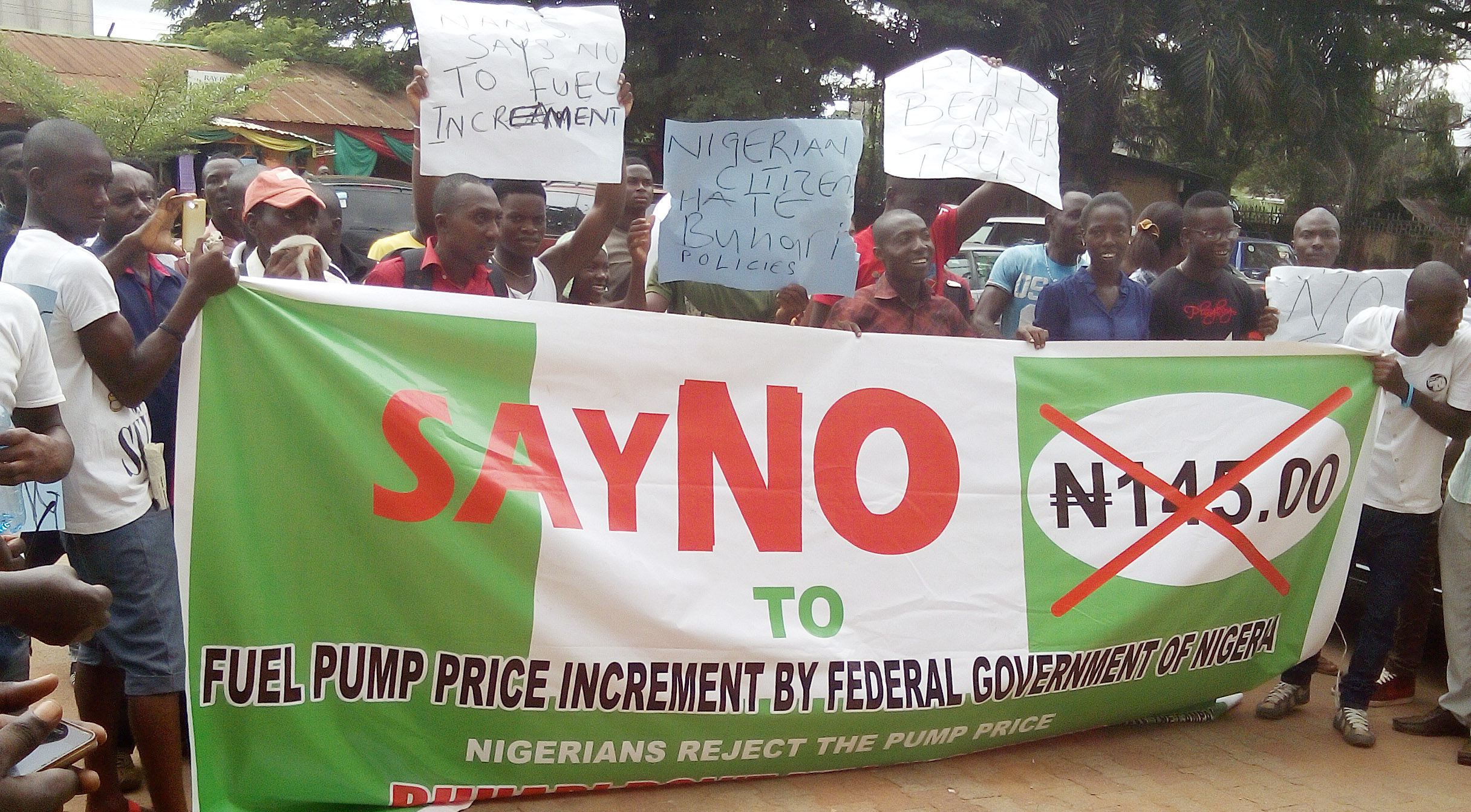 Edo Youths Congress protesting against the increase in the pump price of petrol in Benin-City …yesterday. PHOTO: NAN