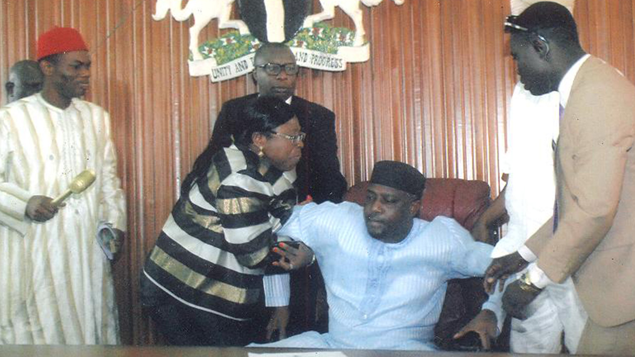 The ugly wrestle for power by Edo State Lawmakers in the Chamber of the State House of Assembly.