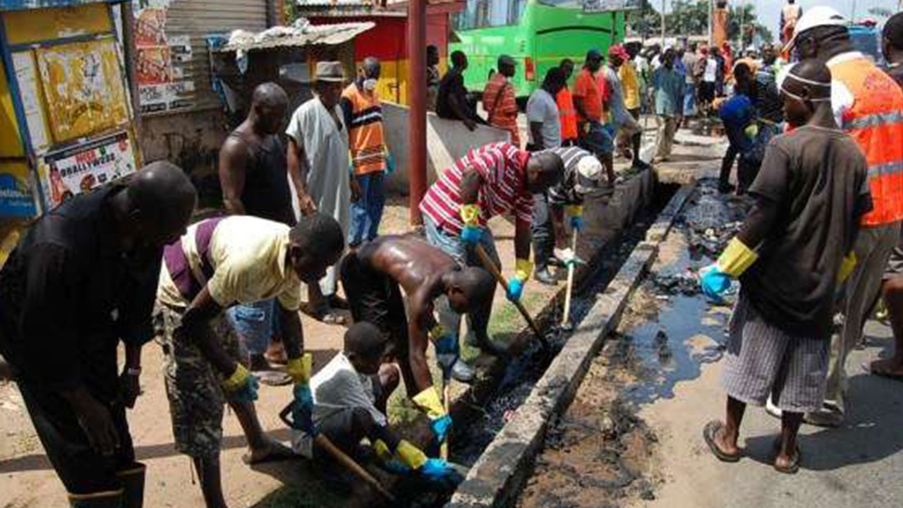 ln spite of non-restriction of vehicular and human movements, residents across Lagos State on Saturday observed the usual monthly sanitation exercise.