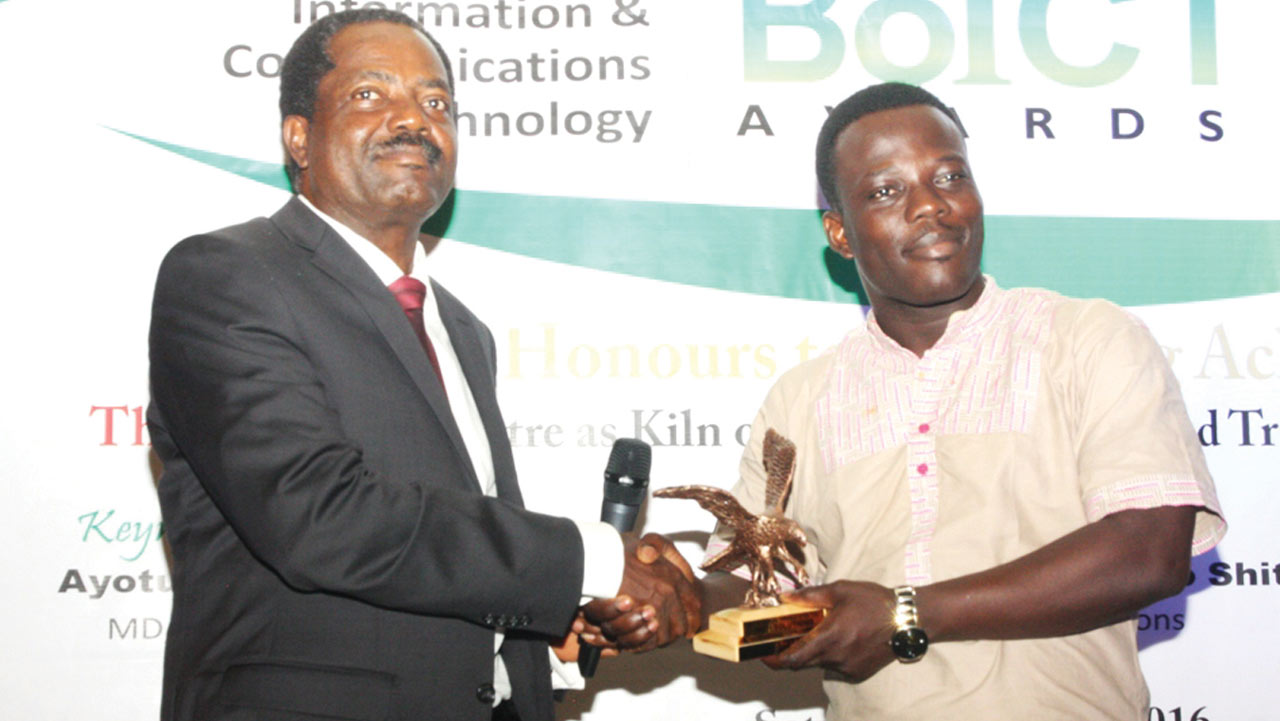 PR Manager, Startimes, Israel Bolaji receiving the award from President, Association of Telecommunication Companies of Nigeria (ATCON), Lanre Ajayi at the Beacon of Information and Communication Technology (BoICT) awards ceremony held at Eko Hotel and Suites, Lagos.