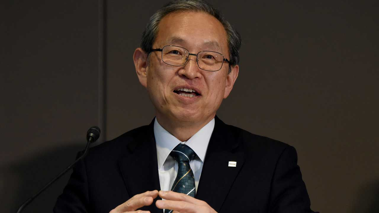 Vice President of Japan's Toshiba Corporation Satoshi Tsunakawa gestures as he answers questions during a press conference at the headquarters in Tokyo on May 6, 2016. Tsunakawa will assume new Toshiba president and Shiga will be chairman after the shareholders meeting in June. TORU YAMANAKA / AFP