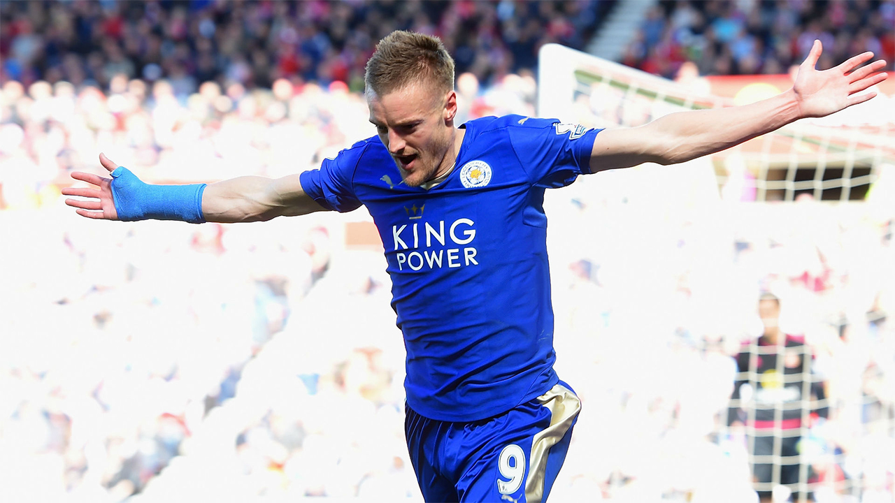 Leicester forward Jamie Vardy has been voted the 2016 Footballer of the Year by the Football Writers' Association.