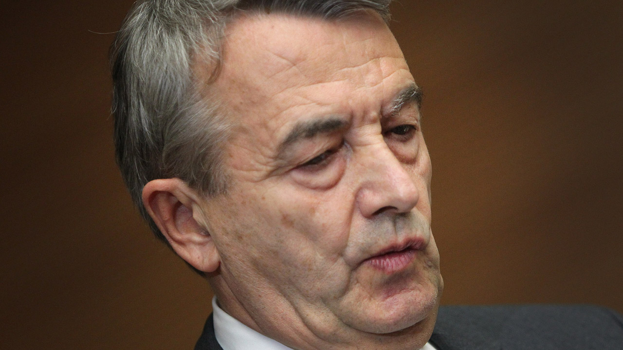 (FILES) This file photo taken on November 09, 2015 shows Wolfgang Niersbach, President of the German Football Federation (DFB), gives a statement to announce his resignation after a committee meeting at the DFB headquarters in Frankfurt am Main, western Germany. FIFA's ethics committee adjudicatory chamber on May 20, 2016 recommended a two-year ban from all football activities for Wolfgang Niersbach, former president of the German Football Association (DFB), over an alleged corruption scandal around the right to host the 2006 World Cup. / AFP PHOTO / DANIEL ROLAND