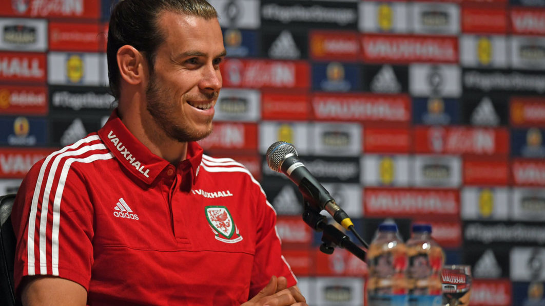 Wales' midfielder Gareth Bale speaks during a press conference in Dinard on June 29, 2016 during the Euro 2016 football tournament.  / AFP PHOTO / PAUL ELLIS