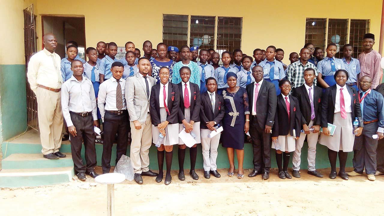Students and teachers of Corona Secondary School, Agbara.