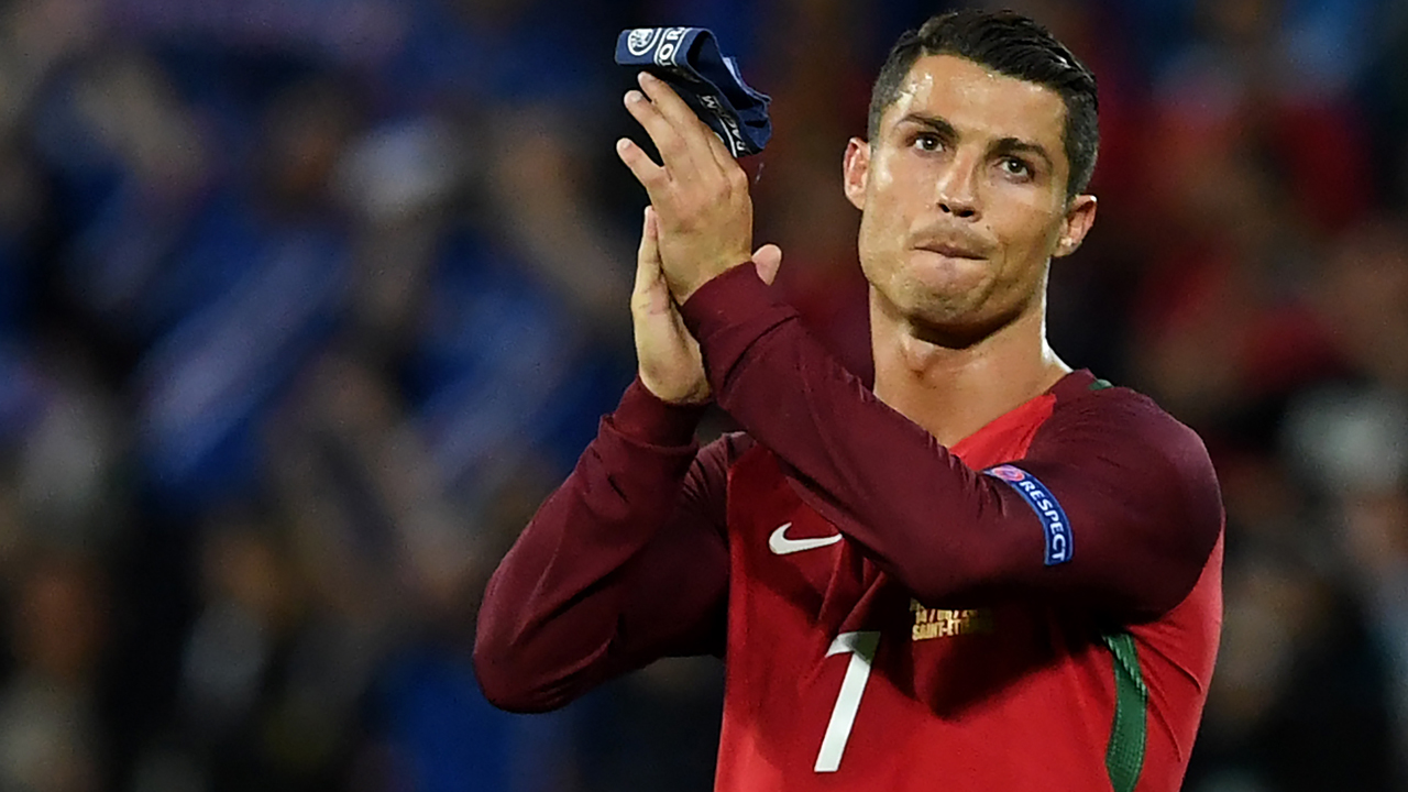 Portugal's forward Cristiano Ronaldo acknowledges the crowd at the end of the Euro 2016 group F football match between Portugal and Iceland at the Geoffroy-Guichard stadium in Saint-Etienne on June 14, 2016. Portugal drew 1-1 with Iceland. PHOTO: AFP / FRANCISCO LEONG
