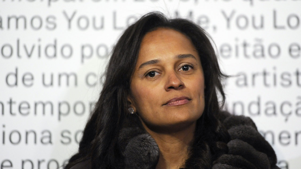 (FILES) This file photo taken on May 3, 2014 shows Angolan businesswoman Isabel dos Santos attending an art exhibition in Porto, northern Portugal. Now that Isabel dos Santos, Africa's wealthiest woman, has been named head of Angola's oil company she could soon be headed for more power -- but this time in politics, experts say. / AFP PHOTO / PUBLICO / FERNANDO VELUDO