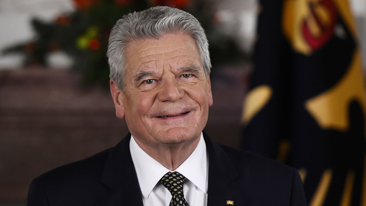 German President Joachim Gauck posing after the recording of the traditional Christmas message at Bellevue Palace in Berlin. Germany's 76-year-old president Joachim Gauck will not run for a second term next year because of health concerns and his age, the Bild newspaper said on June 4, 2016. / AFP PHOTO / POOL / TOBIAS SCHWARZ