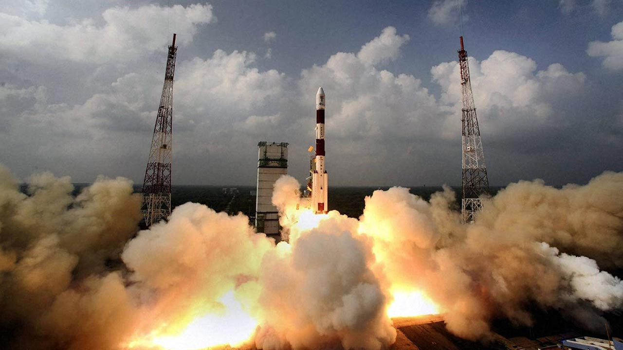 India has successfullylaunched a rocket carrying a record 20 satellites, as its space agency looks to grab a larger slice of the lucrative commercial space market.