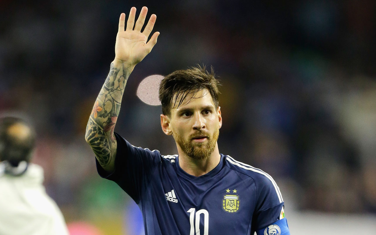 HOUSTON, TX - JUNE 21: Lionel Messi #10 of Argentina gestures after defeating the United States 4-0 in a 2016 Copa America Centenario Semifinal match at NRG Stadium on June 21, 2016 in Houston, Texas. Bob Levey/Getty Images/AFP