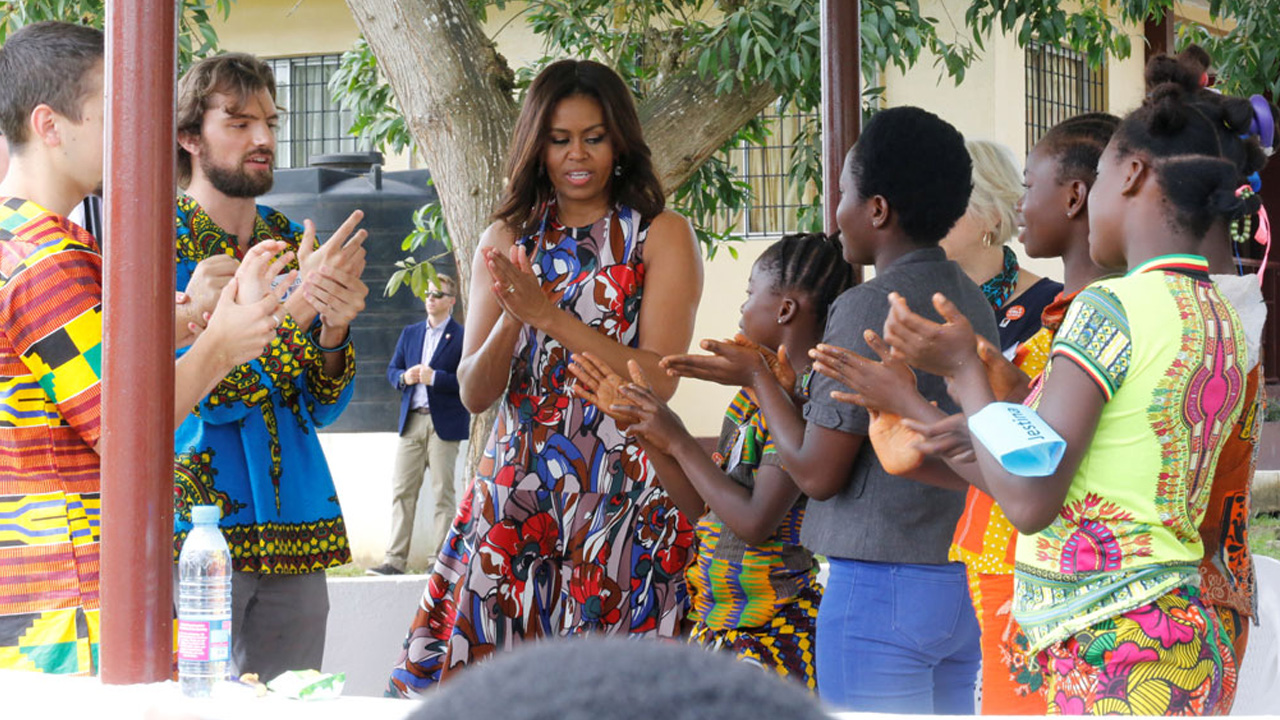U.S. first lady Michelle Obama washes hands with students at the R. S. Caulfield School girls center in Margibi County Liberia, June 27, 2016. PHOTO: REUTERS/Thierry Gouegnon