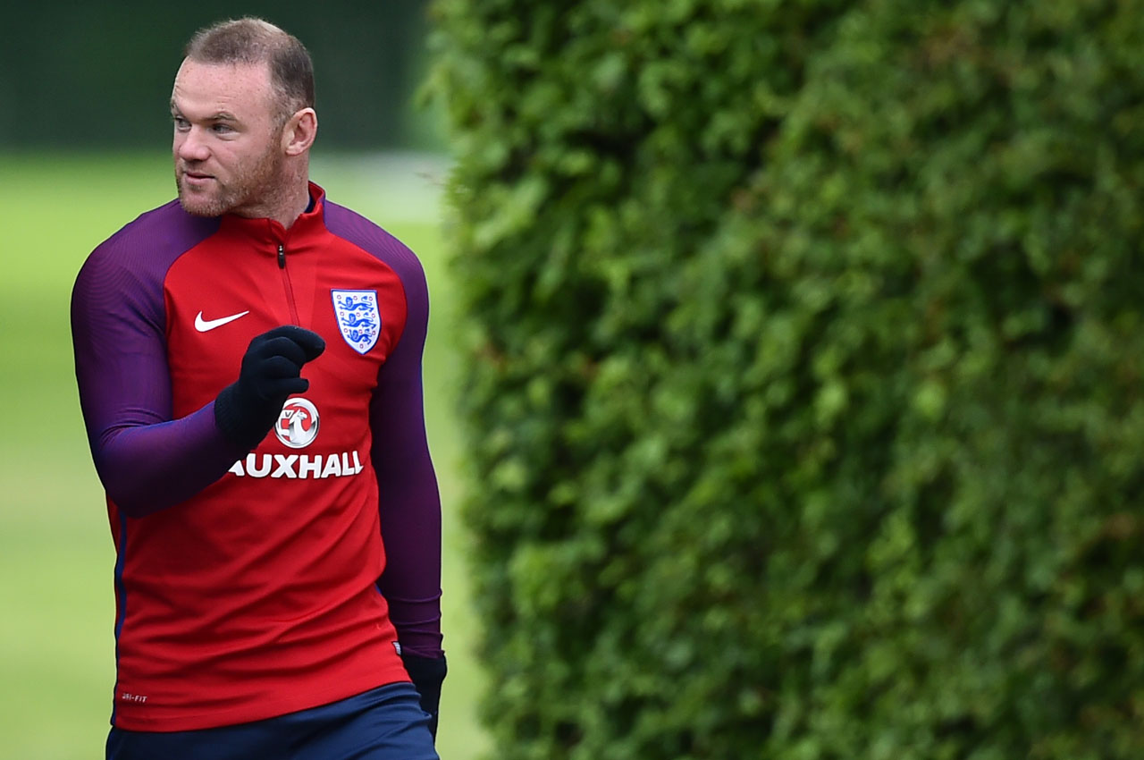 England's striker Wayne Rooney attends a team training session in Watford, north of London, on May 30, 2016. England play against Portugal in a friendly match at London's Wembley Stadium on Thursday June 2, 2016. / AFP PHOTO / BEN STANSALL /