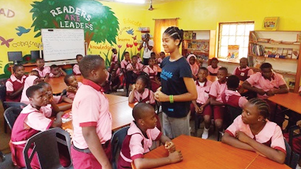 Zuriel teaching the pupils