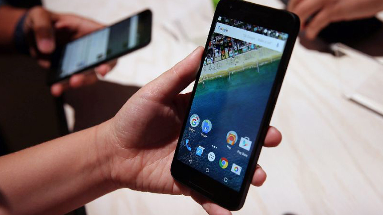 Smartphone . PHOTO: AFP/JUSTIN SULLIVAN