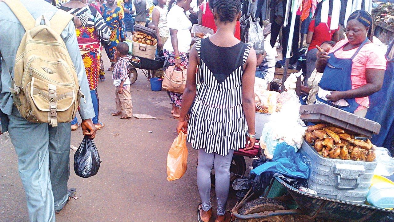 Street traders at the popular Oba Market, Benin City PHOTO: ALEMMA-OZIORUVA ALIU