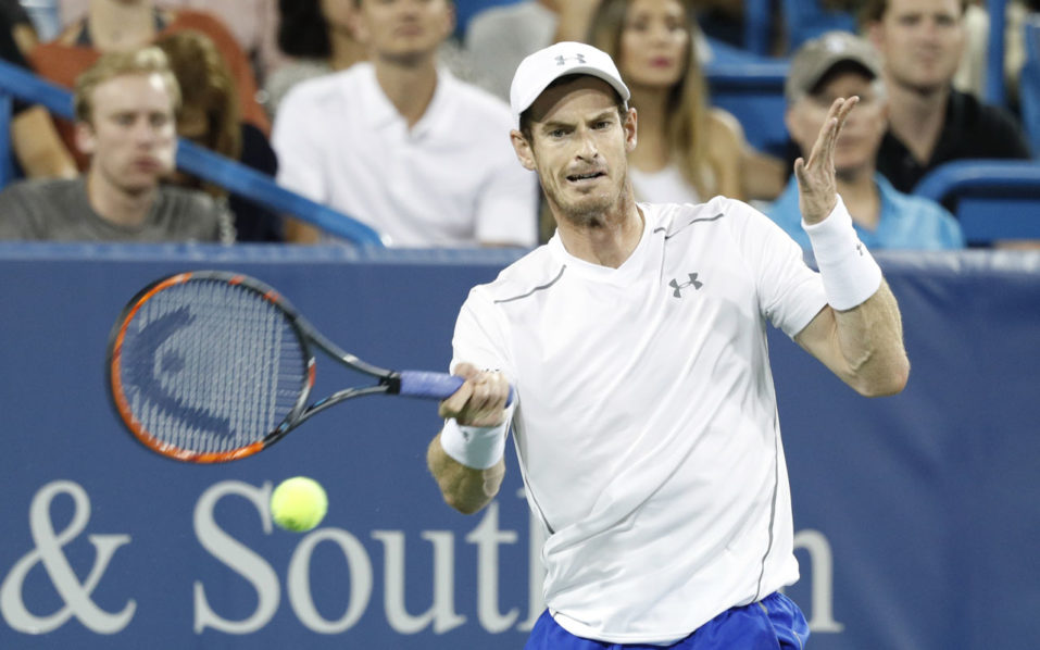 MASON, OH - AUGUST 17: Andy Murray of Great Britain hits a return to Juan Monaco of Argentina on Day 5 of the Western & Southern Open at the Lindner Family Tennis Center on August 17, 2016 in Mason, Ohio.   Joe Robbins/Getty Images/AFP
