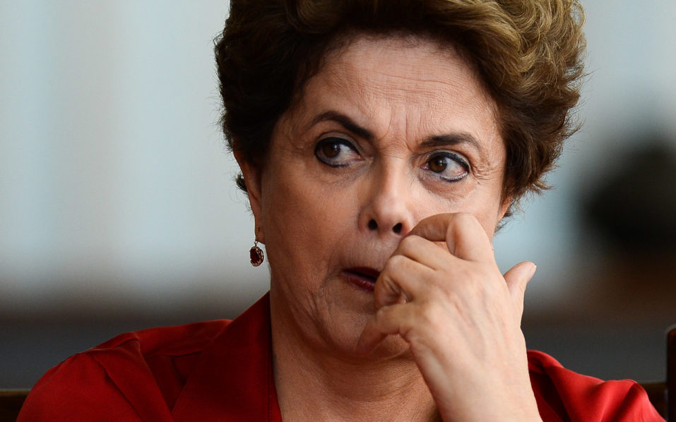 Brazilian suspended President Dilma Rousseff meets with foreign correspondents at the  Alvorada Palace presidential residence in Brasilia on August 18, 2016.   The final phase of the impeachment process against Rousseff will begin in the Brazilian senate on August 25 and the president will speak for the plenary August 29. / AFP PHOTO / ANDRESSA ANHOLETE