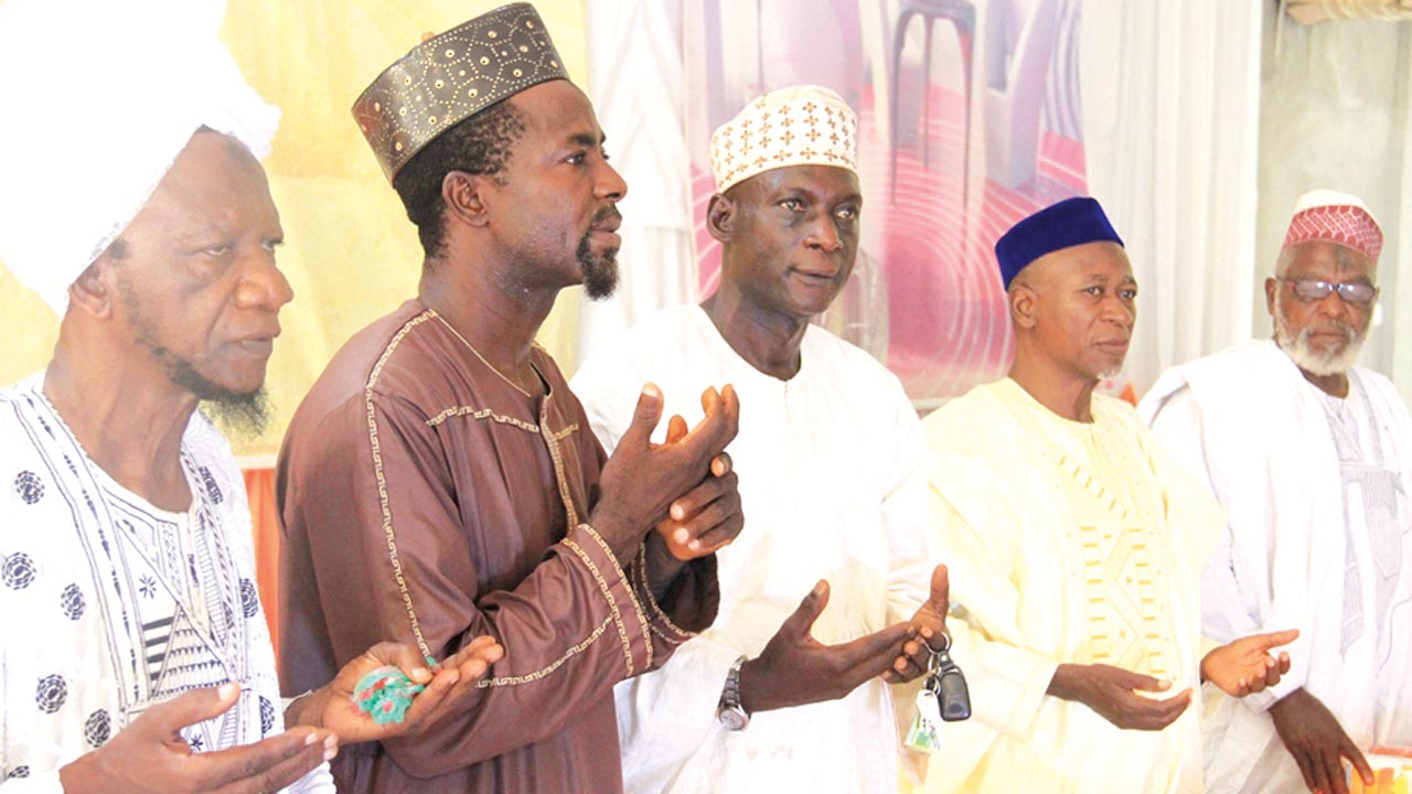 Special Guest of Honour at Hufaaz Graduation Ceremony of Al- Azhar International College Lokoja, Alhaji Sanni Adamu (left); Consultant, Dr. Muhammed Imran; Chairman, Board of Governors, Alhaji Yahaya Yisa; Proprietor of the School, Dr. Yeqeen Habeeb and Alhaji Qadir Enikanaiye, a retired lecturer of Ahmadiyya School Kogi State, during the graduation of the School in Lokoja