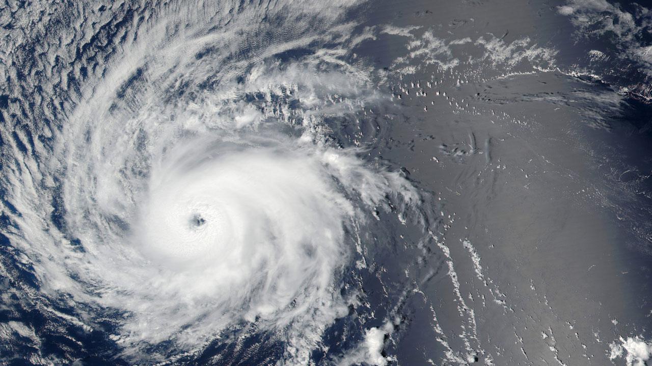 Hurricane-Lester