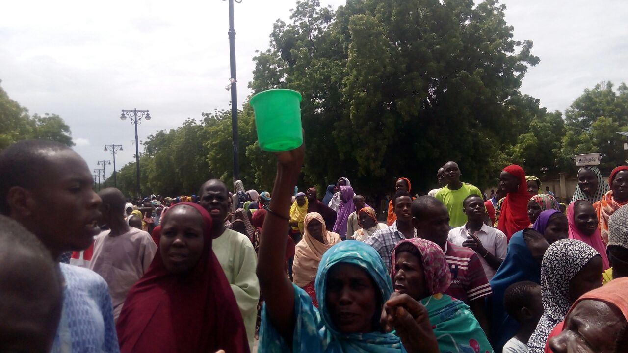 IDPs protesting against poor feeding