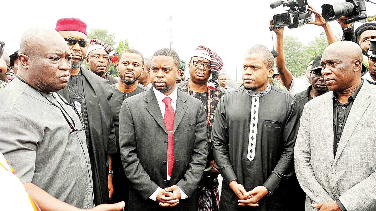 Abia State Governor, Dr. Okezie Ikpeazu (left), ex-Minister of Aviation, Osita Chidoka, first son of the late Minister of Transport, Chief Ojo Madueke, Dr.Umah Ojo Maduekwe and other members of the family during a valedictory session in honour of the deceased in Umuahia, Abia State capital... yesterday