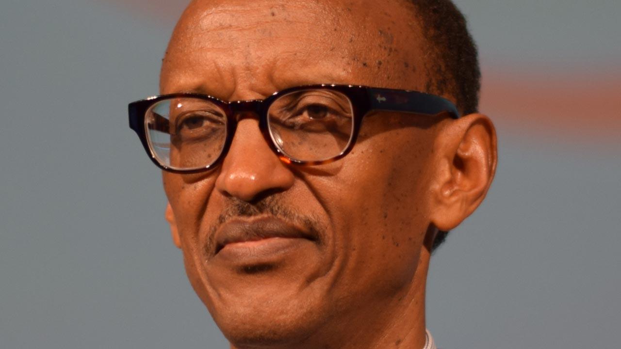 [Image: Paul_Kagame_2014.jpg]