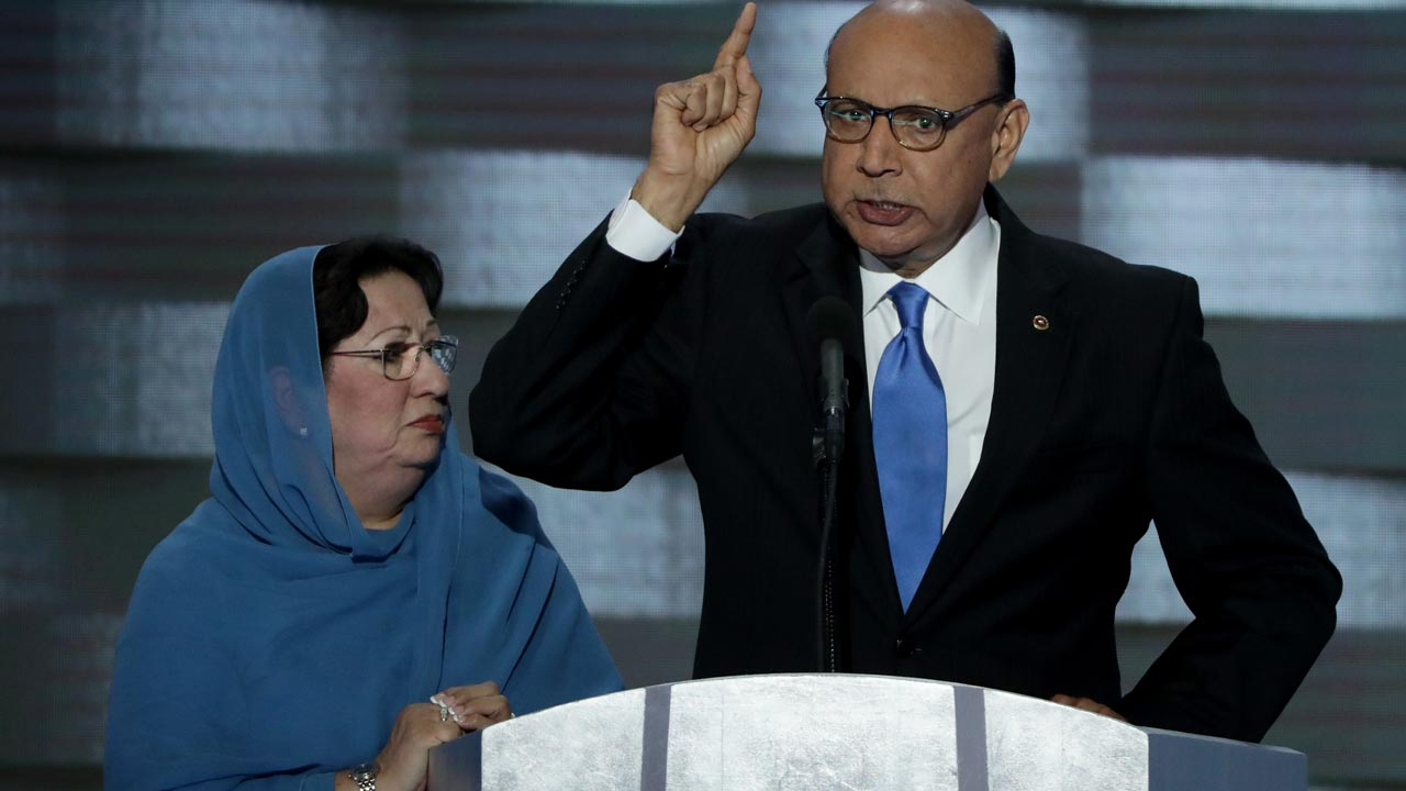 XPHOTO: Khizr Khan. Alex Wong/Getty Images/AFP ALEX WONG / GETTY IMAGES NORTH AMERICA / AFP