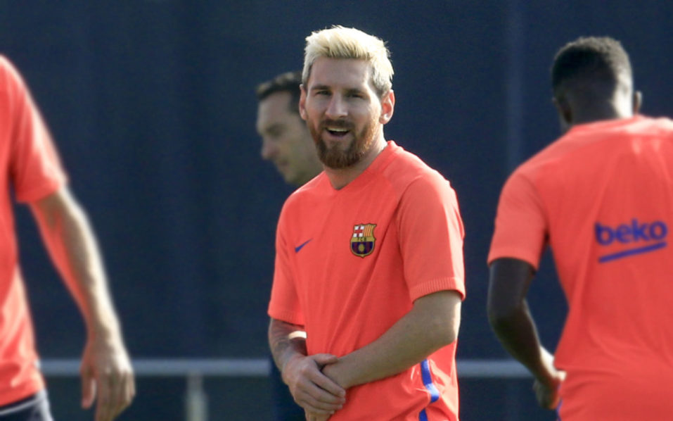 Barcelona's Argentinian forward Lionel Messi looks during a training session at the Sports Center FC Barcelona Joan Gamper in Sant Joan Despi, near Barcelona on August 19, 2016 / AFP PHOTO / PAU BARRENA