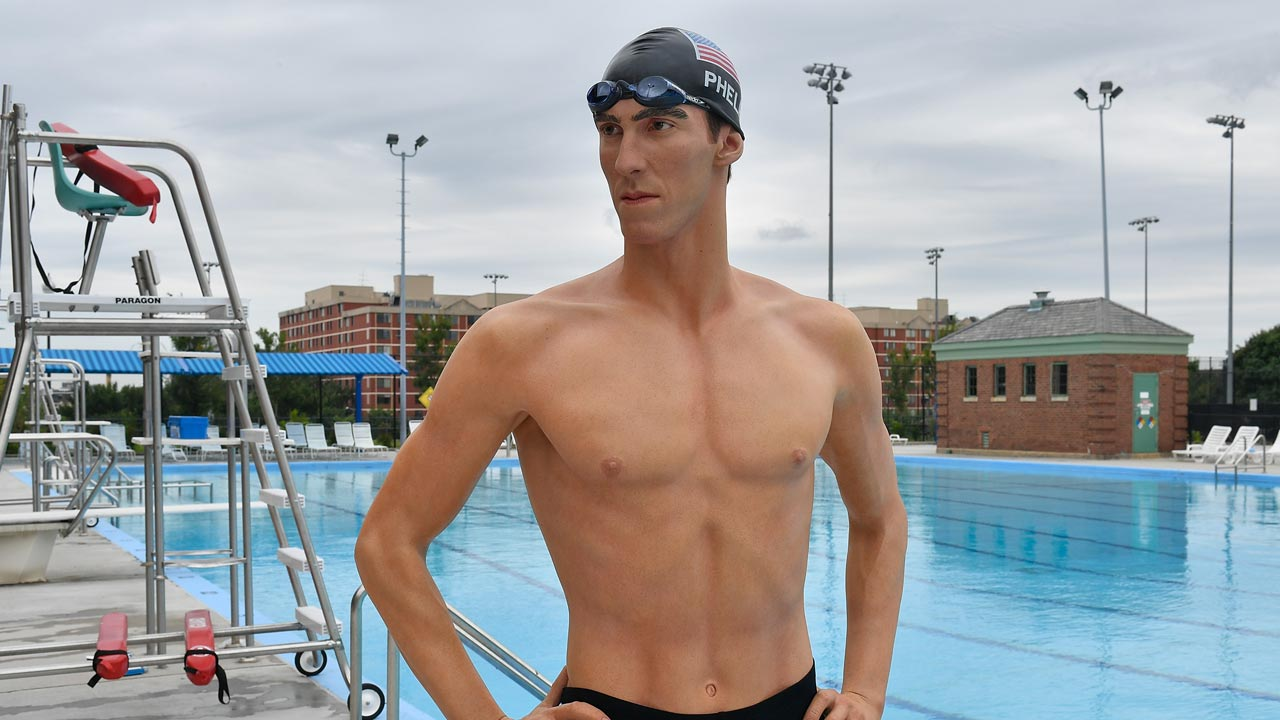 WASHINGTON, DC - AUGUST 05: Madame Tussaud's, Washington DC, in partnership with the DC Department of Parks and Recreation unveils Michael Phelps' wax double at Banneker Pool on August 5, 2016 in Washington, DC. Larry French/Getty Images for Madame Tussauds/AFP Larry French / GETTY IMAGES NORTH AMERICA / AFP