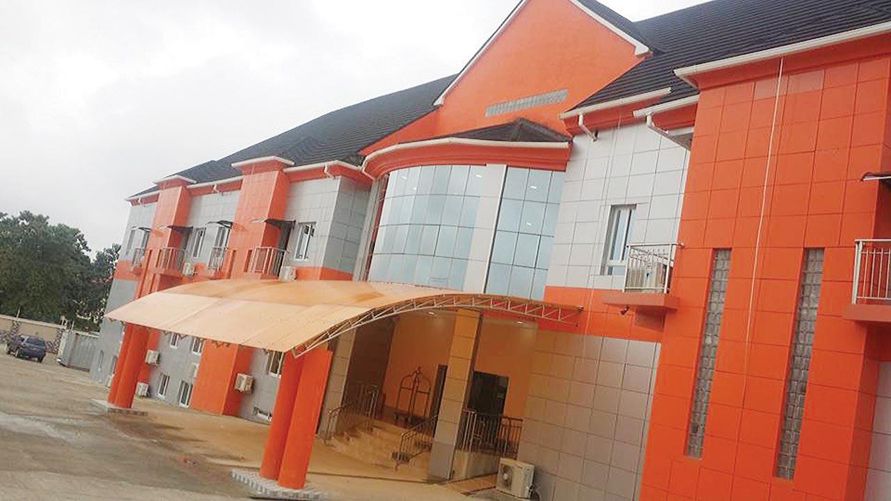Aenon Suites, Osogbo