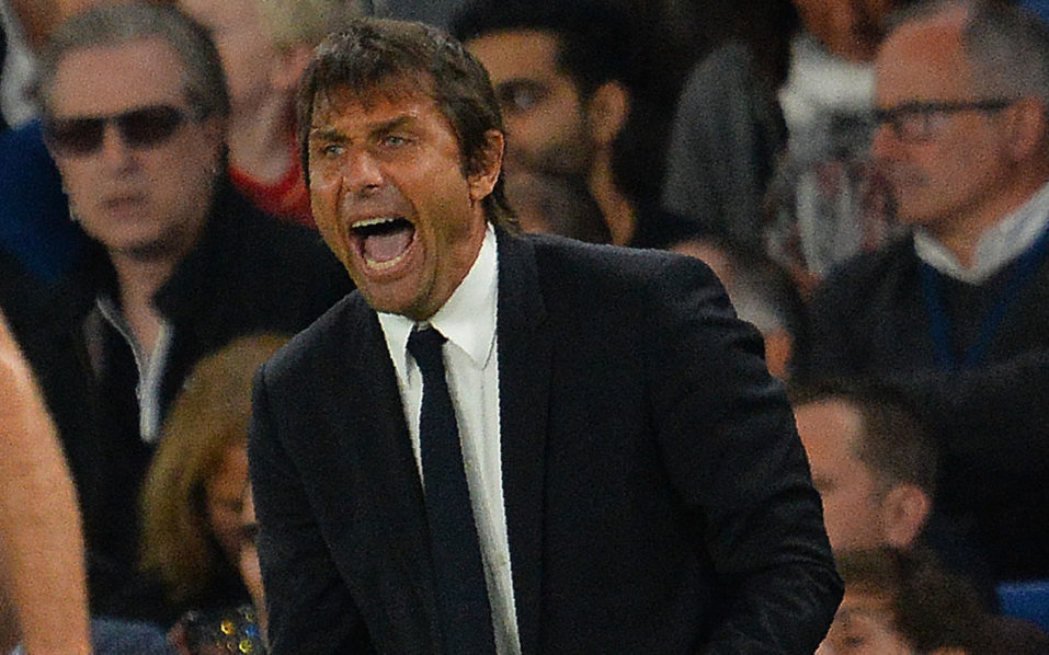 Chelsea's Italian head coach Antonio Conte  / AFP PHOTO / GLYN KIRK /