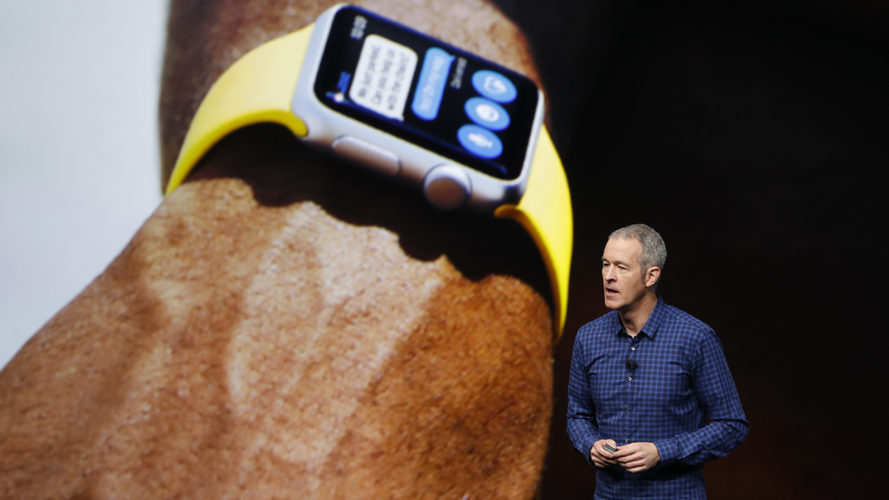 Apple COO Jeff Williams announces Apple Watch Series 2 during a launch event on September 7, 2016 in San Francisco, California. PHOTO: Stephen Lam/Getty Images/AFP
