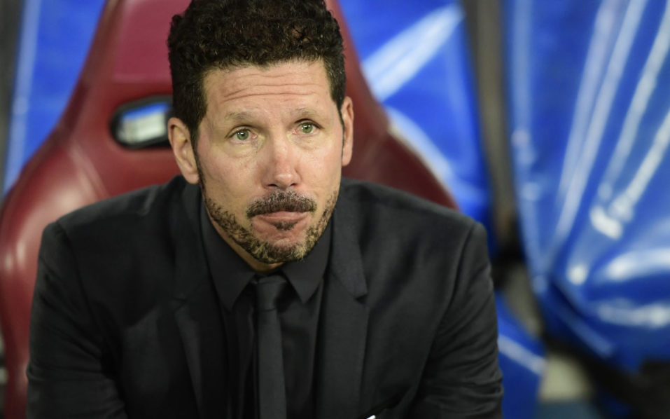 Atletico Madrid's Argentinian coach Diego Simeone looks on before the UEFA Champions League Group D football match Club Atletico de Madrid vs FC Bayern Munich at the Vicente Calderon stadium in Madrid on September 28, 2016. / AFP PHOTO / JAVIER SORIANO