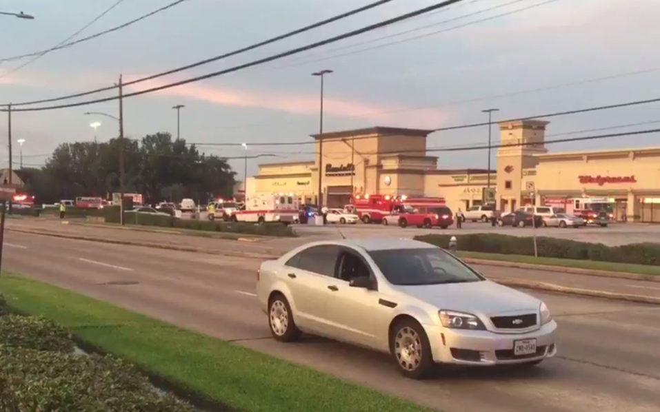 "This video frame grab obtained September 26, 2016 courtesy of KHOU TV in Houston,Texas shows emergency vehicles at the scene of a shooting. A shooting at a mall in Houston, Texas left multiple people wounded Monday, and a suspect was shot by officers, police said.""Several people shot by suspect are being transported to area hospitals; unknown exact number or severity of injuries,"" the Houston police said on its Twitter account.  / AFP PHOTO / KHOU TV / HO /"